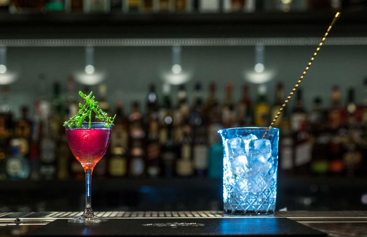 Αποτέλεσμα εικόνας για Tiki nights και νέα δροσερά cocktails για καλοκαιρινές αποδράσεις στο Blends